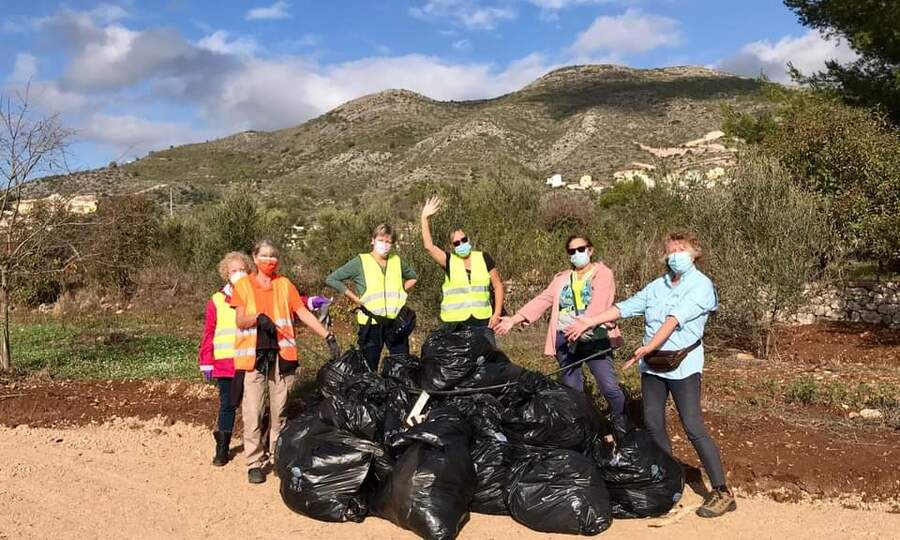 Keeping the Jalon Valley beautiful with The Litter Pickers of JalónLocal News | Keeping the Jalon Valley beautiful with The Litter Pickers of Jalón