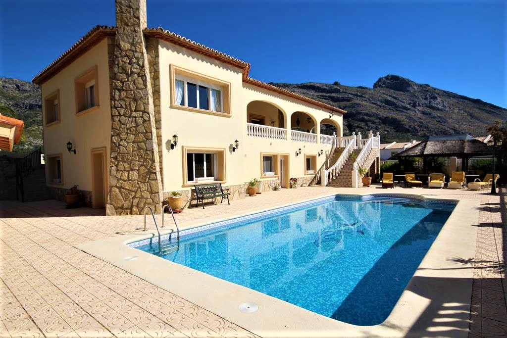 For sale: 5 bedroom house / villa in Benichembla / Benigembla, Costa Blanca