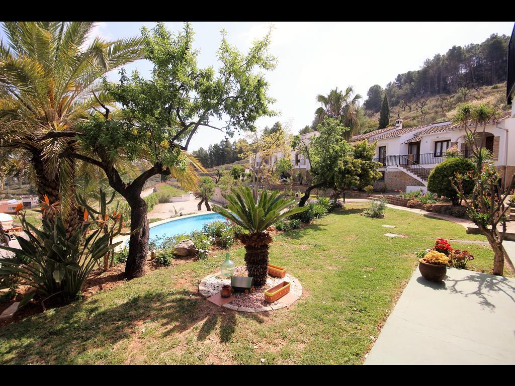 For sale: 4 bedroom house / villa in Benidoleig