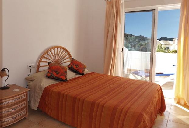 4 bedroom house / villa for sale in Jalon / Xaló, Costa Blanca