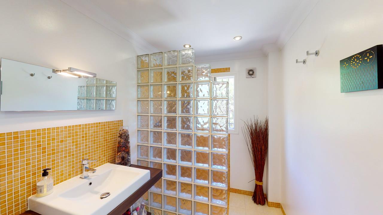 3 bedroom house / villa for sale in Jalon / Xaló, Costa Blanca