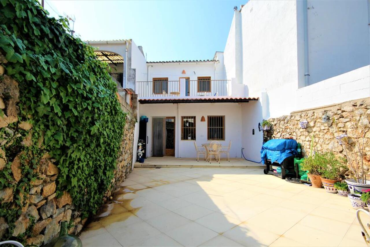 For sale: 3 bedroom house / villa in Orba
