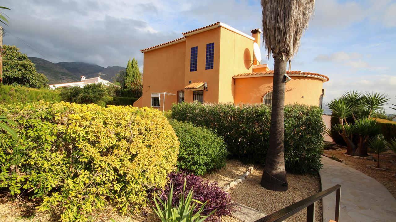 For sale: 4 bedroom house / villa in Orba