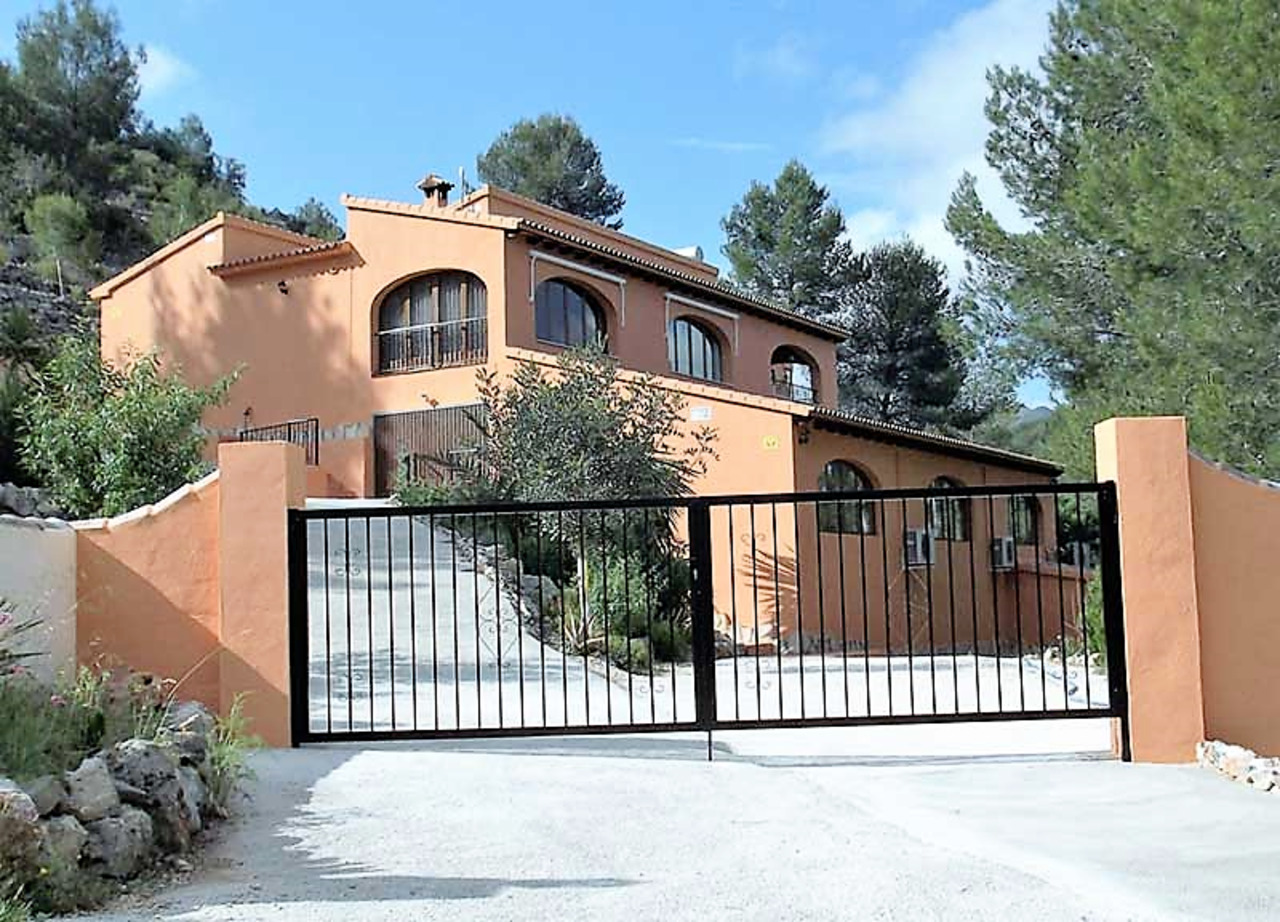 For sale: 4 bedroom house / villa in Lliber
