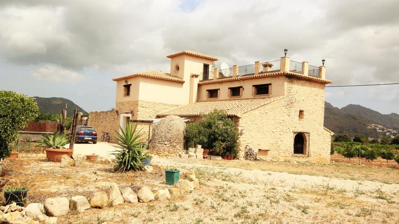 For sale: 3 bedroom finca in Orba, Costa Blanca